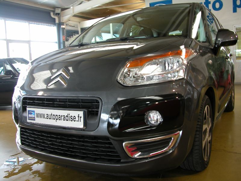 Véhicule d'occasion CITROEN C3 PICASSO 1.6 HDI 92 CONFORT GPS